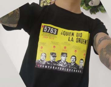 """Wird nach dem Urteil weiter im Internet, in gedruckten Publikationen und auf T-Shirts verbreitet: Das """"verbotene"""" Bild"""