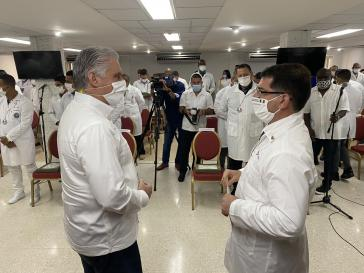 Kubas Präsident Díaz-Canel begrüßt Ärztebrigade bei ihrer Rückkehr aus Italien am 20.Juni