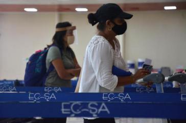 Bei der Ankunft am Flughafen müssen Kuba-Reisende einen negativen Corona-Test vorlegen