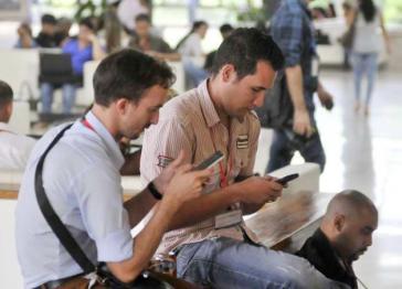 3,7 Millionen Kubaner nutzen das mobile Internet über ihre Handys