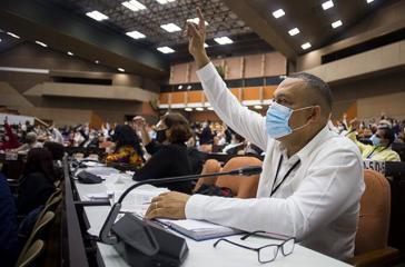 Kubas Nationalversammlung tagte auch in der letzten Sitzung des Jahres in semi-virtueller Form mit Videoschalten in die Provinzen