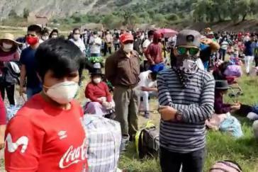 Zehntausende Binnenmigranten haben sich zu Fuß auf den Weg nach Hause gemacht ‒ von Lima in das Andenhochland