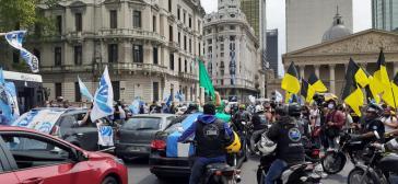 Die ausgelassene Stimmung erinnerte mehr an ein Volksfest als an die gewöhnliche politische Liturgie des Peronismus