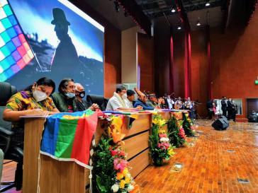 """Das """"Treffen der Völker des Abya Yala zum Aufbau eines Plurinationalen Amerika"""" in Bolivien"""