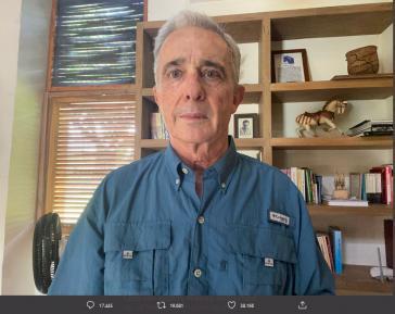 Seit dem 12. August steht der Ex-Präsident in seiner Finca unter Hausarrest. Das Foto veröffentlichte er über Twitter als Gefangener Nr. 1087985.