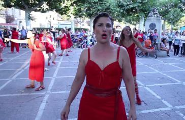 "Straßenperformance in Montevideo ""Diez de cada diez"" (Screenshot)"