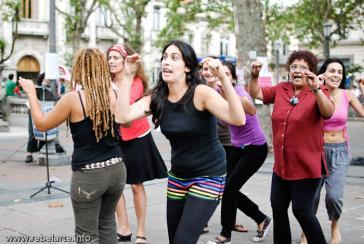 Straßenaktion des Kollektivs Decidoras Desobedientes. am 8. März in Montevideo