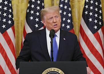 Trump bei seiner Rede vor Veteranen der versuchten Invasion in der Schweinebucht 1961