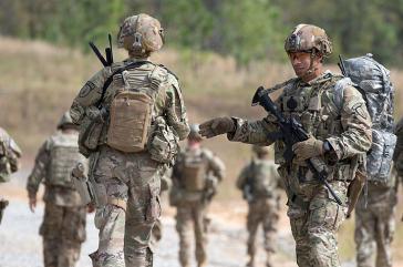 """""""Berater"""" der U.S. Security Force Assistance Brigade bei einer Übung in Fort Bragg (Oktober 2018)."""