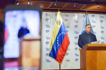 Der venezolanische Generalstaatsanwalt Tarek William Saab bei der Erläuterung der Ermittlungen gegen Alcalá, Guaidó und weitere Personen