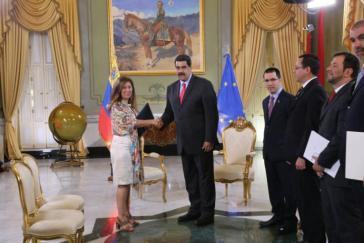 Brilhante Pedrosa bei der Übergabe ihres Beglaubigungschreibens an Präsident Maduro im Jahr 2018. Nun muss sie das Land verlassen