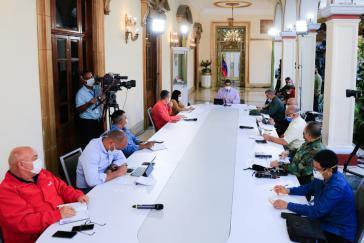 Maduro und Kabinettsmitglieder diskutierten am Freitag Maßnahmen zur Eindämmung der Inflation