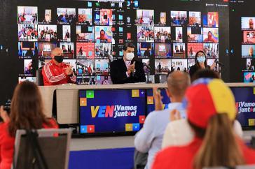 """Präsident Maduro vereidigte die Mitglieder des Wahlkampf-Kommandos """"Darío Vivas"""", das die Kampagne der regierenden PSUV organisiert"""