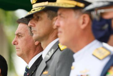 Es kracht gewaltigt zwischen Bolsonaro und seinen Militärs