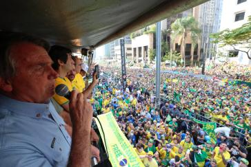 Präsident Bolsonaro spricht vor Anhängern am 7. September