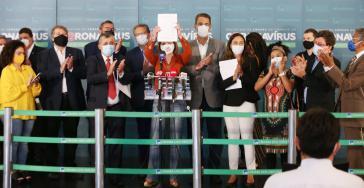 Vertreter der Mitte-links-Parteien Rede, PSB, PT, PCdoB, PSOL, PDT stellten ihr Gesuch bei einer Pressekonferenz vor