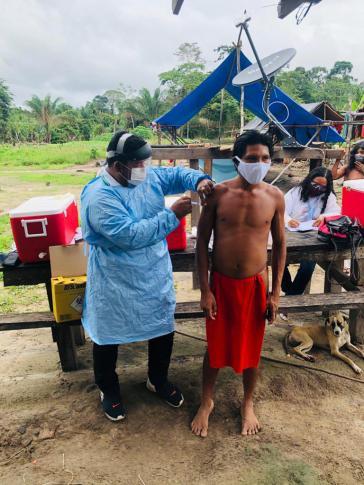 Militär im Einsatz bei der Corona-Impfkampagne im Terra Indígena Waiãpi im Süden des Bundesstaates Pará
