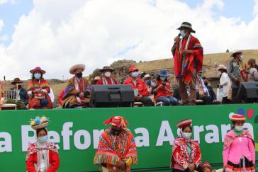 Präsident Pedro Castillo bei der Ankündigung einer neuen Agrarreform für Peru