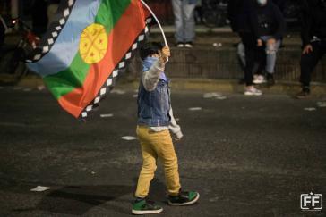 Die Fahne der Mapuche ist bei den Protesten in Chile seit Oktober 2019 allgegenwärtig