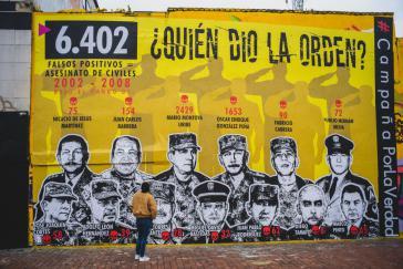 """""""Wer gab den Befehl"""" ? Als dritter von links in der oberen Reihe ist Ex-General Montoya zu sehen"""