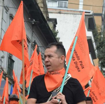 Der Aktivist Jimmy Moreno bei einer Kundgebung