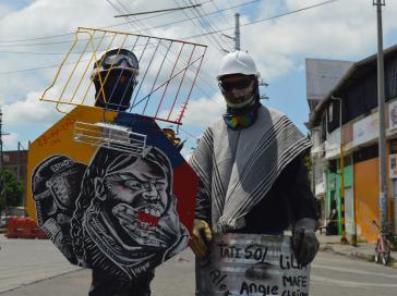 """Protestierende der """"ersten Reihe"""", die die Blockaden in Cali gegen die Räumung verteidigen"""