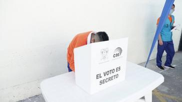 Am Sonntag findet in Ecuador die Stichwahl Arauz gegen Lasso statt