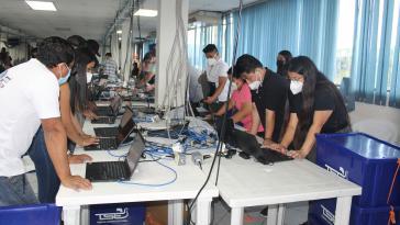 Letzte technische Vorbereitungen bei der Wahlbehörde TSE