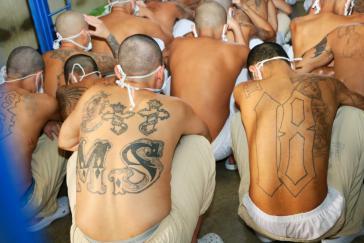 Gangmitglieder in einem salvadorianischen Hochsicherheitsgefängnis (Symbolbild)