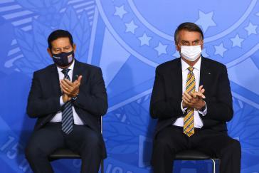 Brasiliens Bevölkerung hat sie satt: Vize-Präsident Hamilton Mourão und Präsident Jair Bolsonaro
