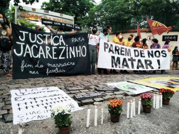 """Personen des öffentlichen Lebens sprechen von einem gezielten """"Massaker"""" beziehungsweise von """"außergerichtlichen Hinrichtungen"""""""