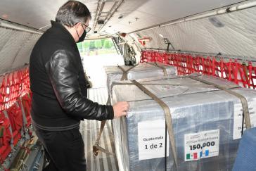 Am 24. Juni traf in Guatemala eine Spende des Impfstoffs AstraZeneca aus Mexiko ein