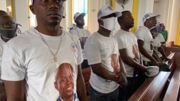 Anhänger des ermordeten Präsidenten bei einer Messe in dessen Geburtsort Cap-Haitien