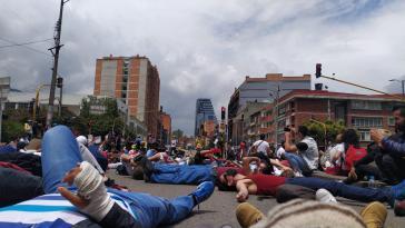 Protestaktion in Bogotá gegen die Tötungen durch die Polizei