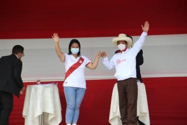 Der Schein trügt: Bei der ersten Debatte lieferten sich Fujimori und Castillo einen heftigen Schlagabtausch.