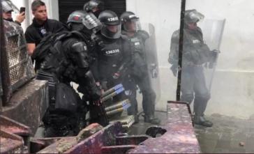 Die Esmad schießt mit elektronischen Munitionswerfern auf Protestierende