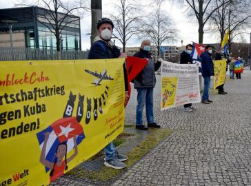 """In Berlin wurde die US-Botschaft """"umzingelt"""""""