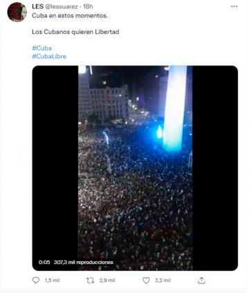 """Eins von vielen falschen Bildern: """"Kuba in diesem Moment. Die Kubaner wollen Freiheit"""". Das Bild zeigt den Obelisk in Buenos Aires. Gefeiert wird Argentiniens Sieg bei der Copa America"""
