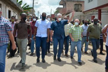 Noch am Sonntag kam Kubas Präsident nach San Antonio de los Baños und suchte das Gespräch mit den Bewohnern