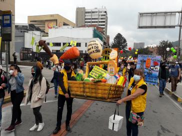 Proteste gegen die geplante Steuerreform in Bogotá