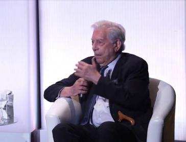 "Vargas Llosa beim Forum der ""Fundación Internacional para la Libertad"", deren Präsident er ist"