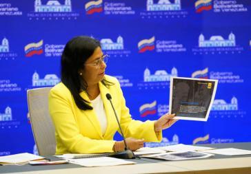 Vizepräsidentin Rodríguez bei der Vorstellung des zweiten Berichts an das Haager Tribunal