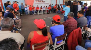 In den 14.381 Kampfeinheiten Hugo Chávez (UBCh) werden die Vorkandidaten festgelegt