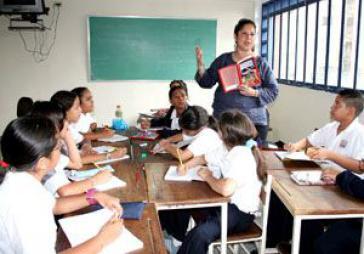 Chávez kündigt neuen Lehrplan an