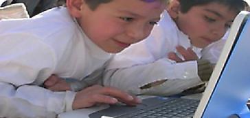 Unabhängige Technologie und Bildung für alle