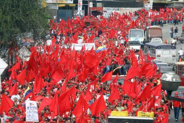 Protest nach Übergriffen auf Sozialprogramme
