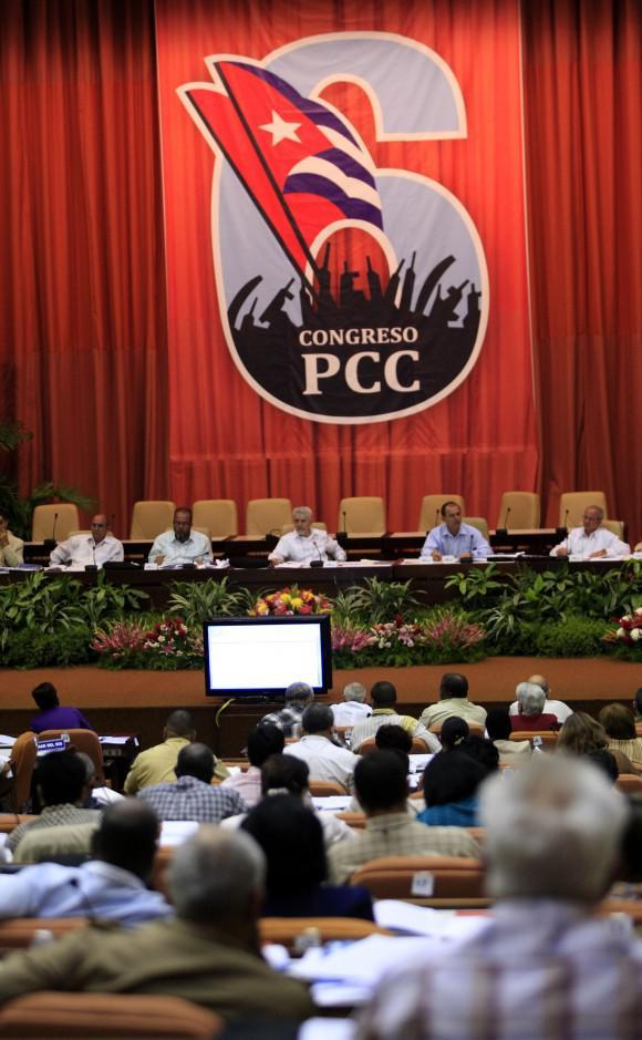 Präsidium des sechsten Parteitags der PCC