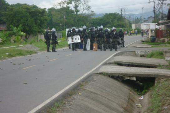 Polizei während der Auseinandersetzungen vergangenen Woche