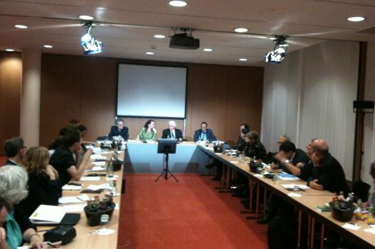 """Espinosa (Mitte) in der Bundespressekonferenz: """"Haben alle Fragen beantwortet"""""""