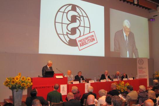 Russlands Botschafter in Genf, Valeriy V. Loshchinin, am Rednerpult